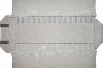 Rouleau pour colliers,15 cases(240x37 mm)+ lacets+élastiques